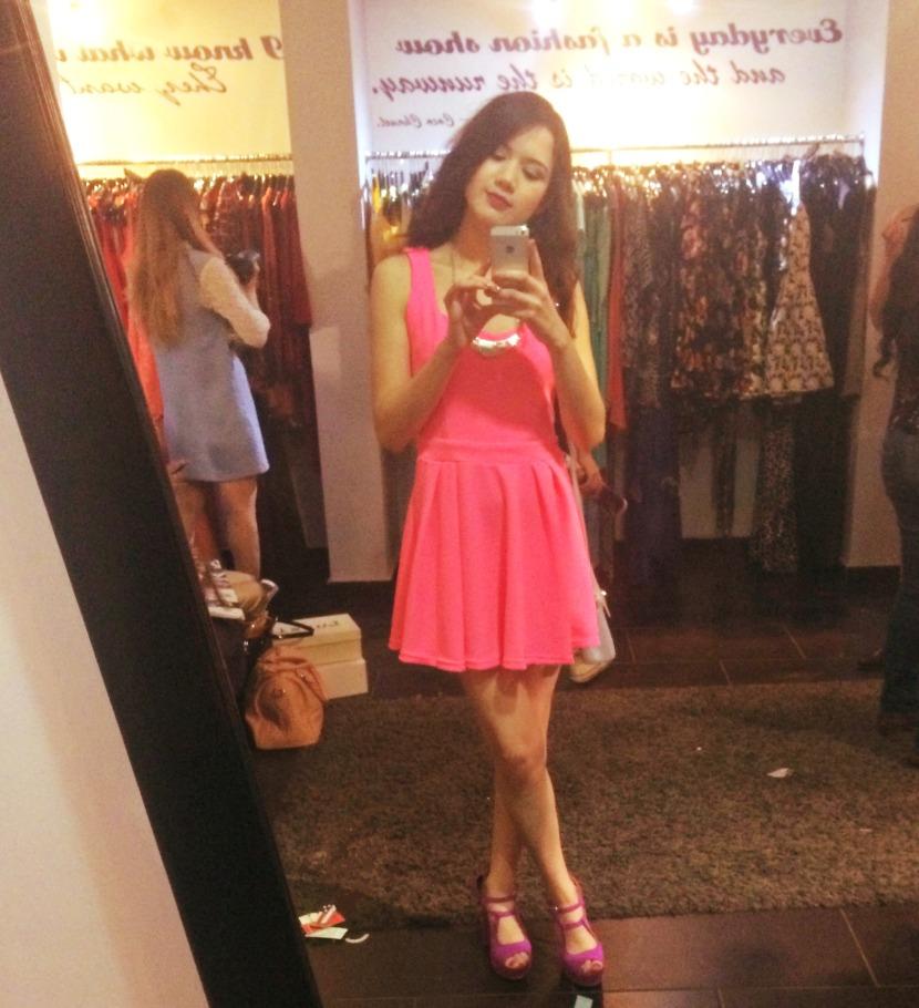 desfile primavera verano trendy and chic outfit neon fashion blogger obregon