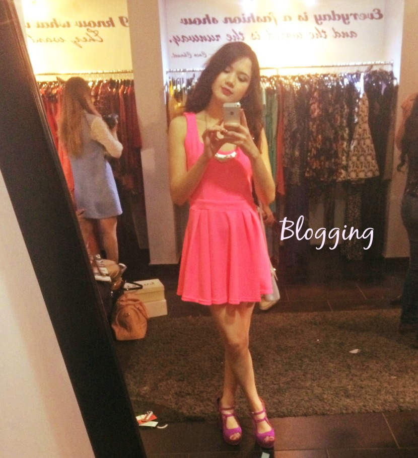 blogger outfit rosa neon