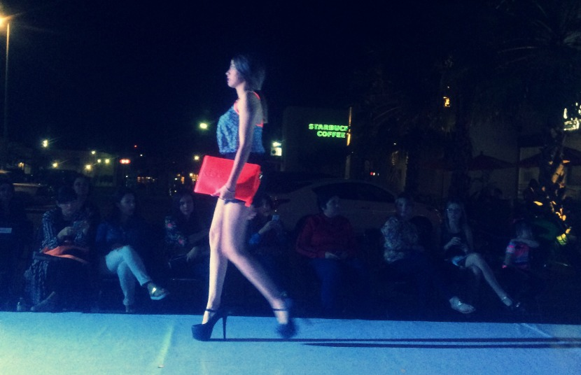 trendy and chic ciudad obregon desfila primavera verano 2015 neon bolsa